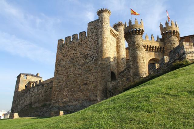 Castillo de Ponferrada - Flickr Elentir