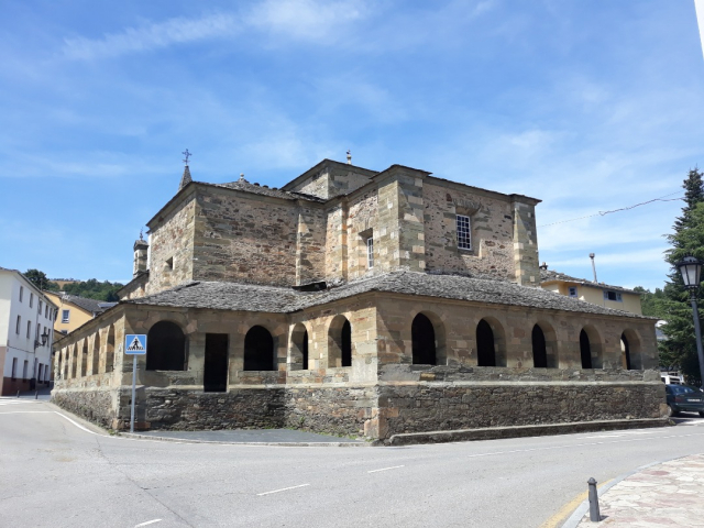 Colegiata de El Salvador, Grandas de Salime - Wikicommons
