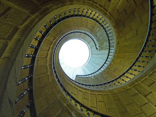 Escalera del Museo do Pobo Galego - Argosnet Wikicommons